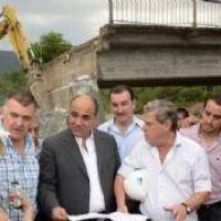 El gobierno concluye dos puentes dañados por las inundaciones de 2015
