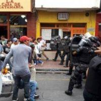 Represión y bono de fin de año para estatales catamarqueños