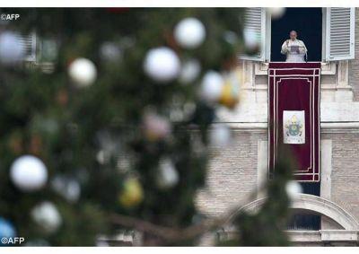 """Ángelus del Papa: """"Cada sí a Dios origina historias de salvación"""""""