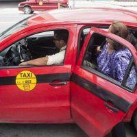 Discrepancia por aumento de taxis y remises
