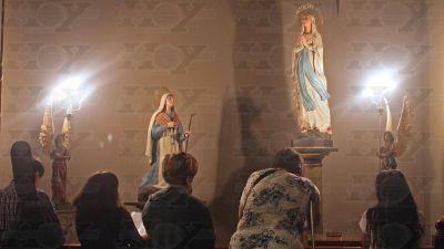 Devoción por la figura de la Virgen: peregrinación y misas