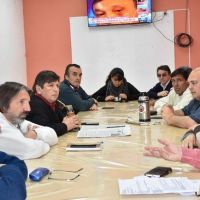"La Intersindical pide una ""urgente"" cumbre con Verna"