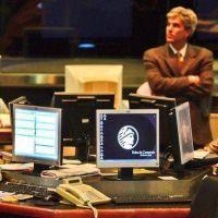 Acciones y dólar, ganadores del primer año de Macri