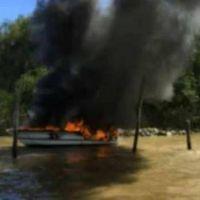 Río Luján: se incendiaron cuatro embarcaciones por una explosión