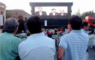 El radicalismo recordó la recuperación de la democracia en la calle Mazzini frente al Comité
