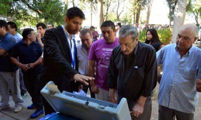 El voto electrónico tuvo un buen debut en la provincia