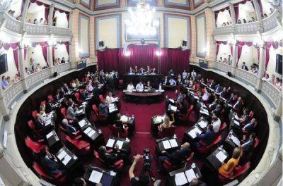 El oficialismo buscará aprobar el Presupuesto 2017 y la Ley Impositiva con un massismo en discordia