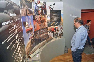 Linares destacó el trabajo que se hizo para volver a poner en funcionamiento el Museo del Petróleo