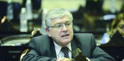 Los tres senadores por Chubut confirmaron que votarán la ley de Ganancias aprobada en Diputados