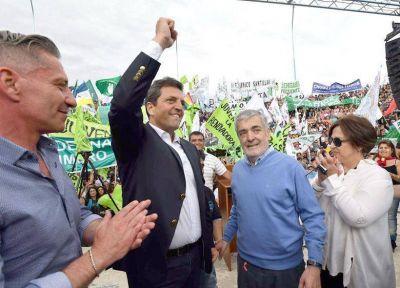 """Das Neves dijo que dará """"batalla para que Chubut salga adelante"""""""