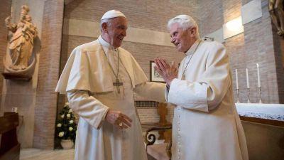 Conspiración en el Vaticano: un cardenal reveló una trama secreta para reemplazar a Benedicto XVI por Francisco