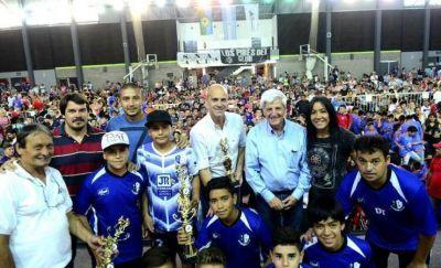 San Fernando premió a 1900 niños de la Liga de Fútbol
