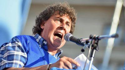 La CTA presiona a la CGT para declarar un paro nacional si Mauricio Macri veta la ley de Ganancias