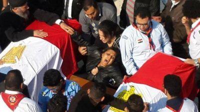 El Papa llamó al Patriarca copto: unidos en la sangre de los mártires