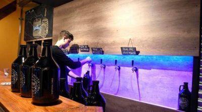 Cerveza artesanal: Bromatología no permite la recarga de botellones