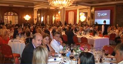 La UCIP festejó en el Hermitage: comida con gusto a poco y gente sedienta