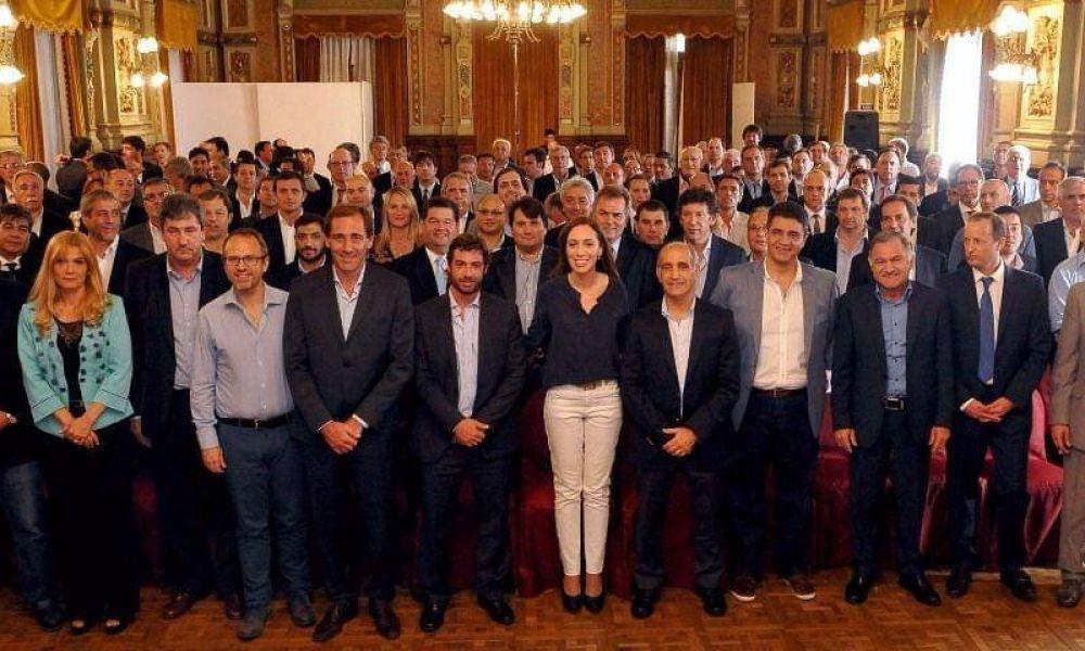 En un año, Vidal aumentó 13% su tropa de intendentes leales