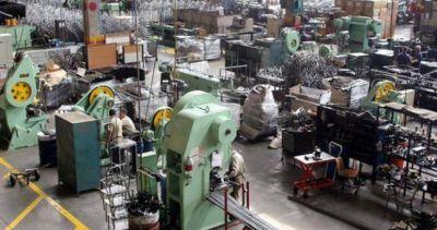 Los gremios industriales de Santa Fe no descartan un paro por los despidos