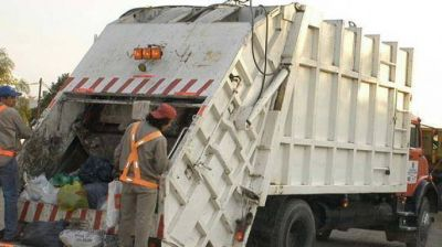 Instan a vecinos a ser cautos con la basura para evitar accidentes