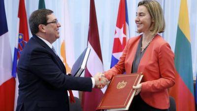 Europa normaliza relaciones con Cuba tras 20 años de bloqueo