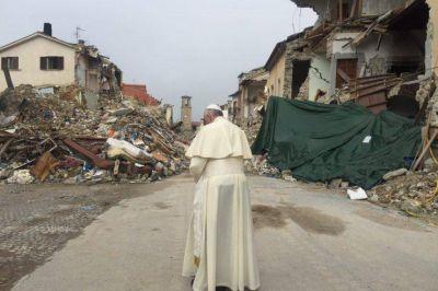 Francisco recibirá el 5 de enero a las víctimas del terremoto en Italia