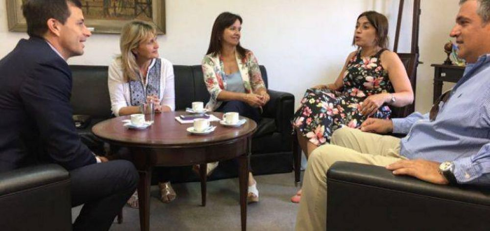 Bucca se reunió con funcionarios de Nación para avanzar en carreras educativas