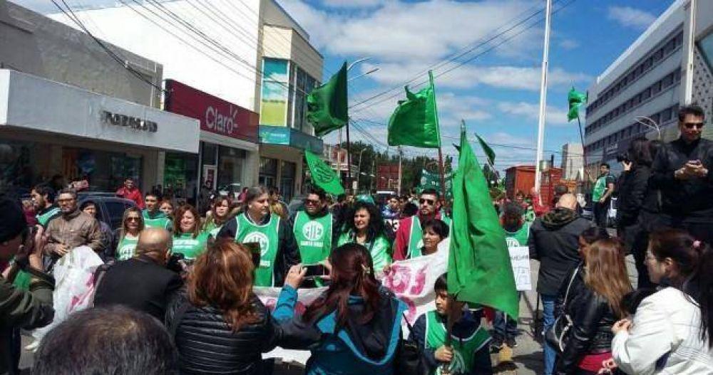 Santa Cruz: los gremios ponen en jaque a Alicia Kirchner
