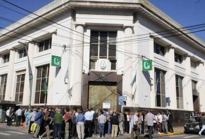 Bancarios acataron la conciliación obligatoria y mañana habrá atención normal