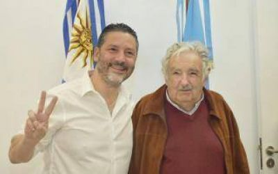Pepe Mujica visitó Merlo