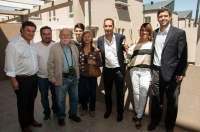 Tagliaferro entregó 70 viviendas a vecinos de Morón