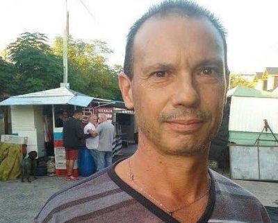 VECINOS Y FERIANTES CONTRA LA CONSTRUCCIÓN DE UNA SEDE POLICIAL DEBAJO DEL PUENTE DE RODRÍGUEZ, EN LANÚS OESTE
