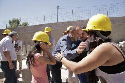 """""""La descentralización es clave para mejorar el servicio en los barrios"""""""