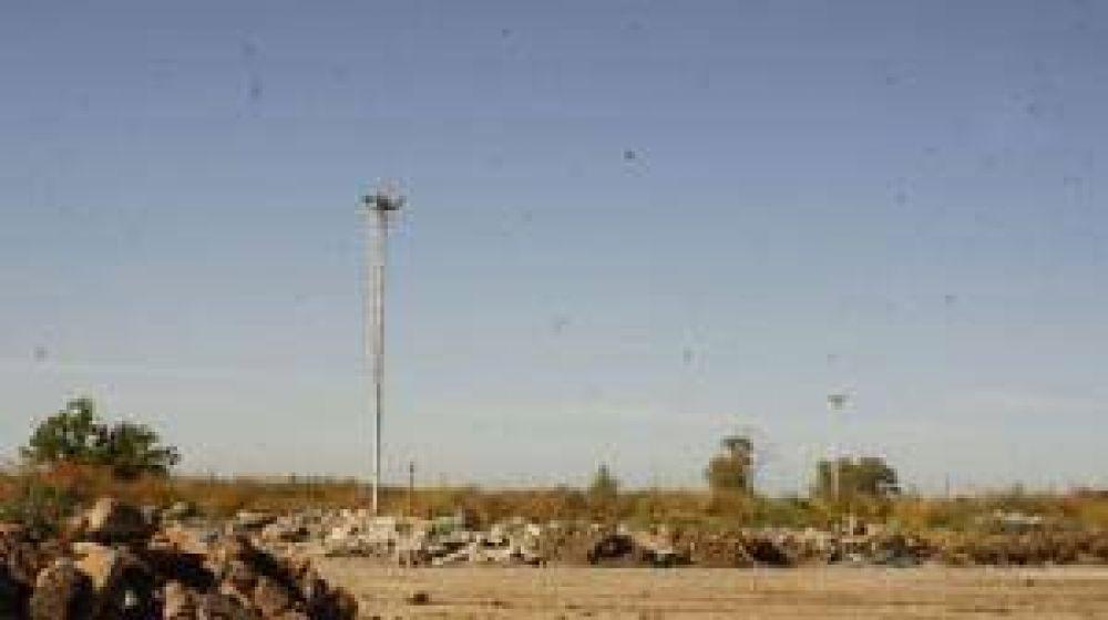 La playa de estacionamiento de camiones en el Corralón Municipal convertida en basural
