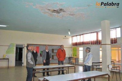 Importantes inversiones para reparación y mantenimiento en escuelas del distrito
