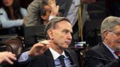 Una queja de Fuentes reactivó la interna del PJ en el Senado