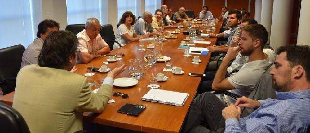 El Municipio realizó una mesa de trabajo con la UNSAM, sindicatos y empresas