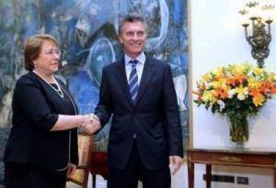 El Presidente recibe a Bachelet en la Residencia de Olivos