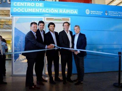 García De Luca y Monzó inauguraron una nueva sede del Renaper en la terminal de La Plata