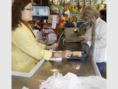 La provincia aumentó en $200 el importe de la Tarjeta Social
