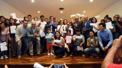 Corpacci y Cano entregaron 2 millones de pesos a jóvenes emprendedores