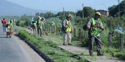 La Provincia realiza trabajos de limpieza en espacios públicos de la capital