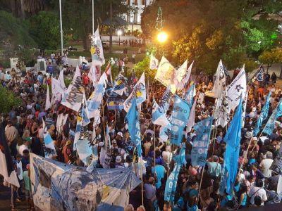 Axel Kicillof se presentó en Salta en medio de un conflicto con la municipalidad