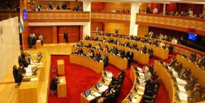 Impulsan un proyecto de ley de suspensión automática si cabe el juicio político