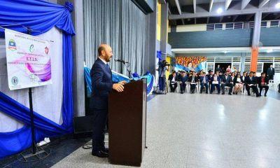 """Insfrán llamó a defender la """"independencia científica-tecnológica"""""""
