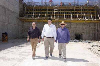 Vieyra y Palmisano recorrieron los trabajos que se llevan a cabo en la Presa La Isidora