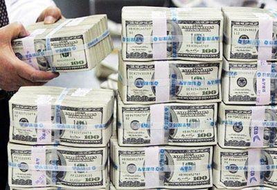 Por el blanqueo, los bancos están con las bóvedas llenas de dólares