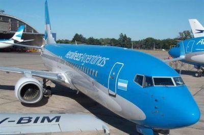 Aerolíneas Argentinas anunció la suspensión de vuelos hasta el mediodía