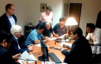 Tabacal: Trabajo convocó a una reunión entre el ingenio y la STA