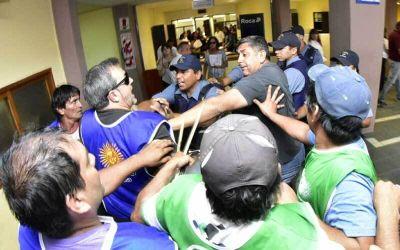 Roca: CTA denuncia que la Municipalidad y la policía reprimen trabajadores