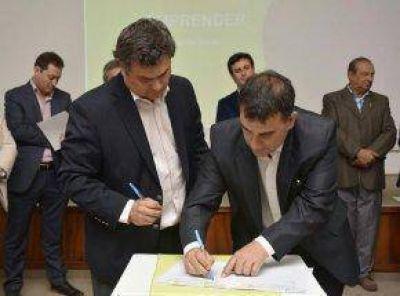 Firma de convenio de adhesión al programa Emprender